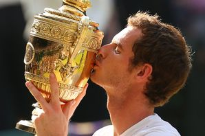 Andy-Murray-with-the-Wimbledon-trophy